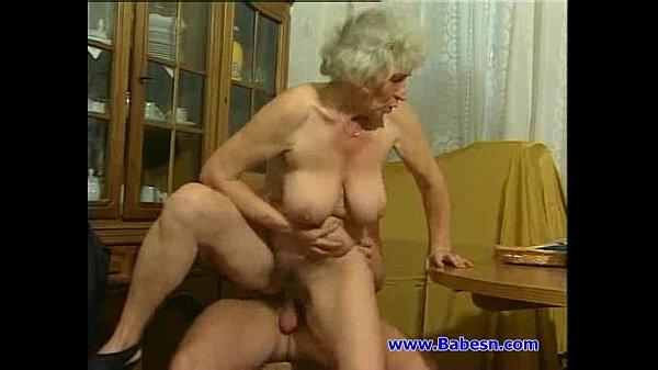 Бабушкины огромные соски