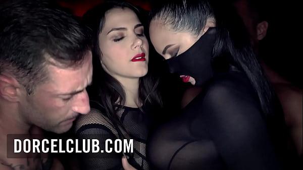 Valentina Nappi & Katrina Moreno intense scene with 3 men in Club Xtrem