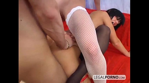 One big cock fucking three sexy girls TS-13-02