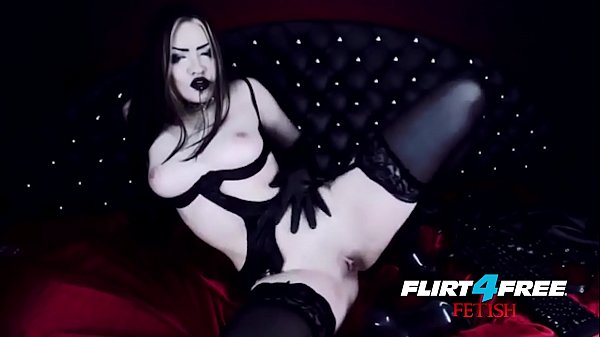 Sexy Goth Girl Fucks Herself in Latex