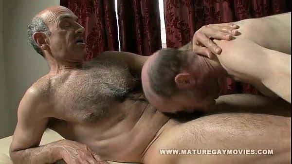 Порно геи зрелые мужики волосатые