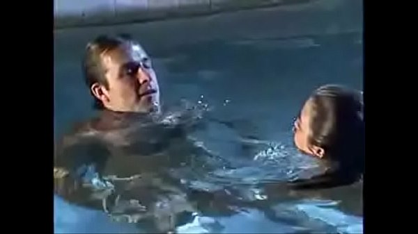 Sex Underwater: Iris