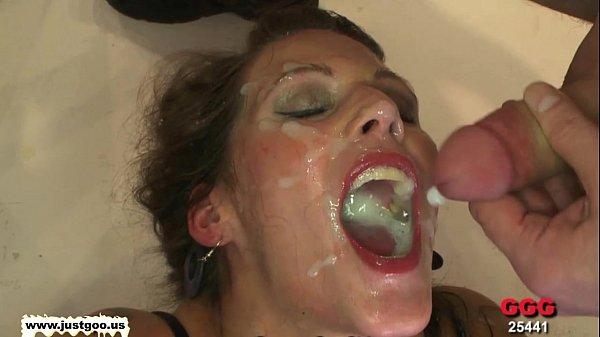 Взрыв спермы в горле порно