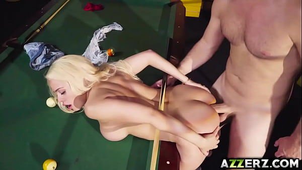 Blonde babe Luna Star anal fuck on a billiard table Thumb