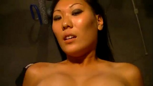 MaXXX Loadz Amateur Hardcore Videos Asian Gia gets a Cream Pie
