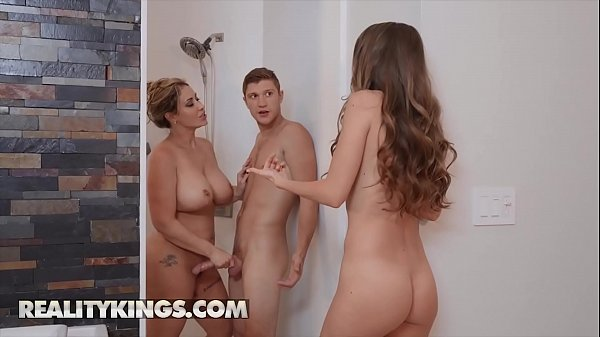 Hot Ladies (Kimmy Granger, Eva Notty) Fucks One...