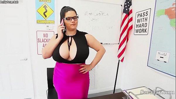 teachers sara jay angelina castro fuck pupil gia in class - DailySex.club