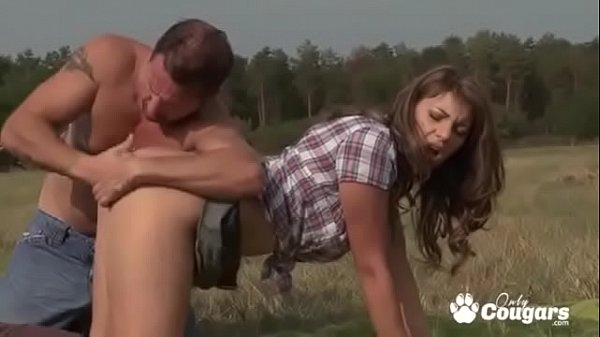 Farmers Daughter Stephanie Sierra Has Anal At The Farm