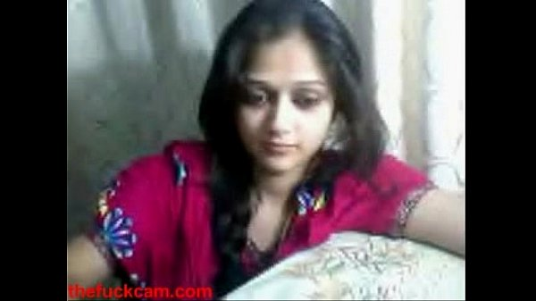 Live Sex - Indian Tean on Webcam showing her titties Thumb