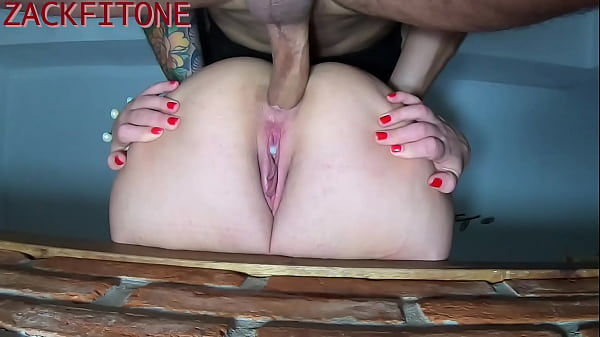 I convinced a friend from the University to record an anal close-up, at first I didn't want to but I ended up accepting. Complete in RED