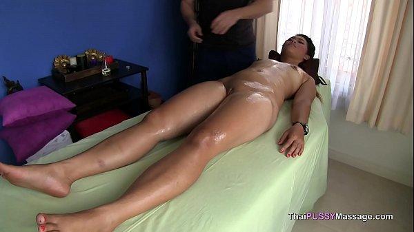 Thai girl body massage and bareback fuck