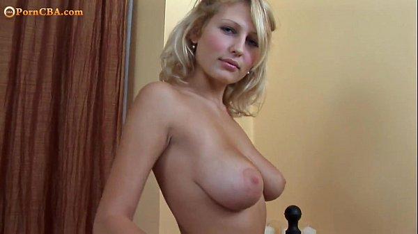 Огромные сиськи блондинки маструбация