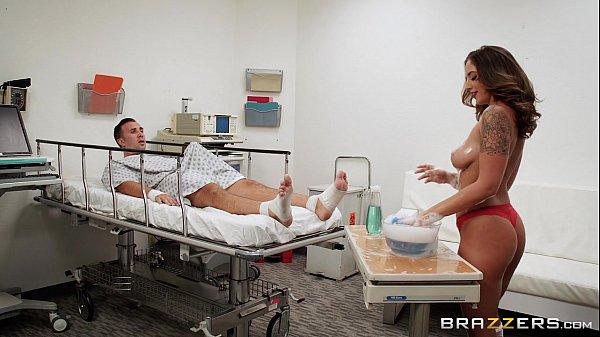 Brazzers - Layla London gives a sponge bath Thumb