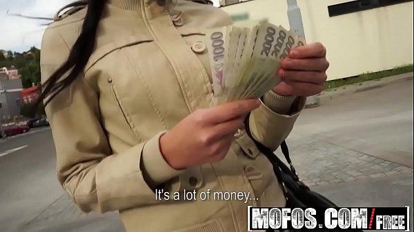 Primeste Bani De La Un Tip Ca Sa Se Futa In Fund Cum Poate Mai Bine