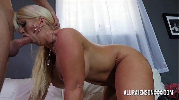 Big tit cougar Alura Jenson loves fucking younger men Thumb