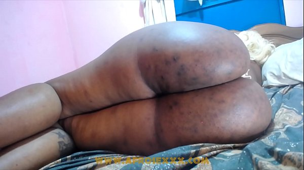 Big donk ebony drunk girl sleeping while her perverted friends is abusing her