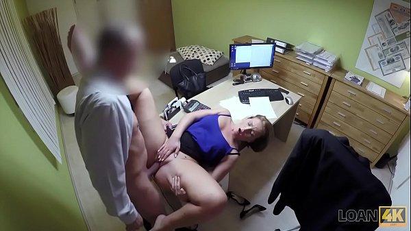 Мужик трахнул незнакомую женщину с большими дойками