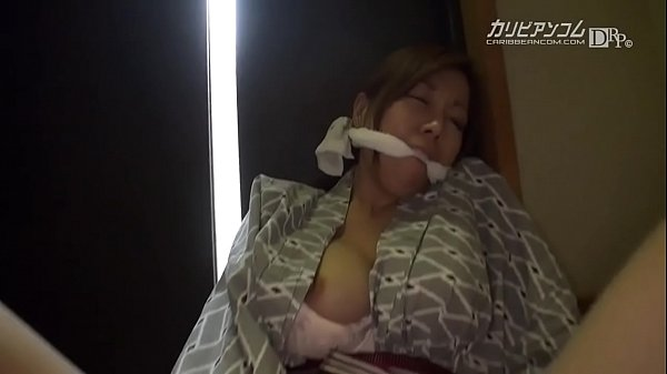 10代美少女のエロ動画_ セーラー服の激カワ美少女JKがおやじと援交セックス 本当の女子校生