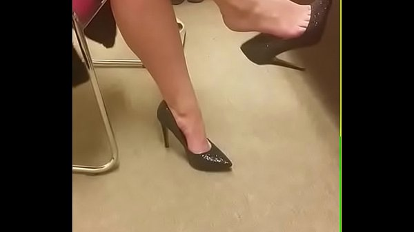 Cams4free.net - Girlfriend's Shoeplay in Heels