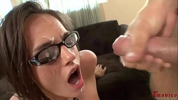 סרטי סקס Cumshot on Glasses