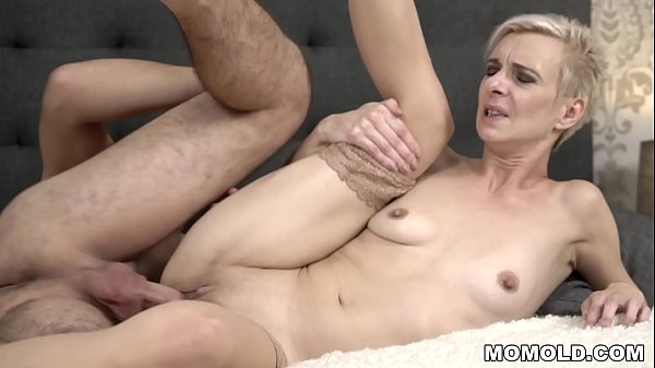 Young cock filled mature pussy Thumb