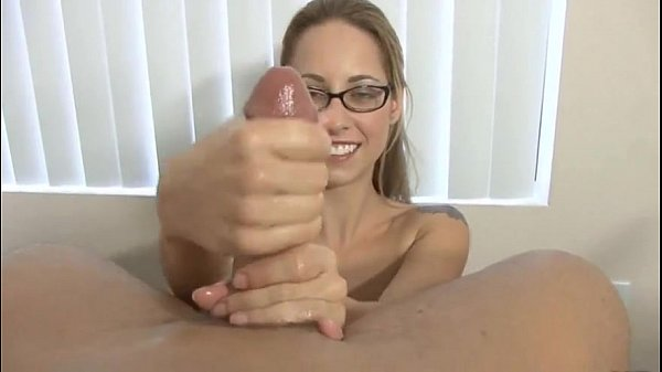 Lindsey Meadows nasty handjob