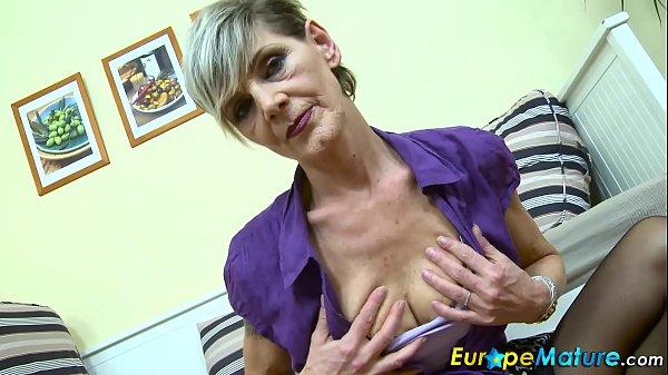 EuropeMaturE Sexy Granny Ivana Solo Fingering Thumb