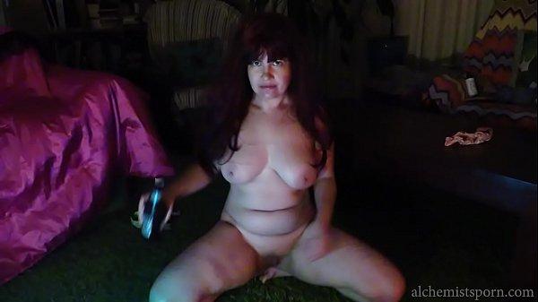 Weird slut drinks, strips and wanks.