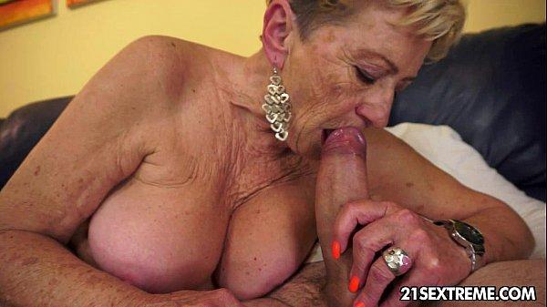 Большие жопы бабушек порнопикап