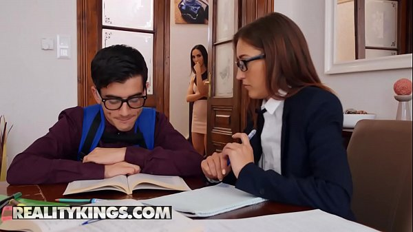 Moms Bang Teens – (Jordi, Lilu Moon, Mina) – cougar or kitten – Reality Kings