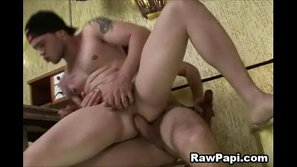 2018-11-11 16:54:01 - Two Hunky Papi on a Horny Bareback Sex 7 min  http://www.neofic.com