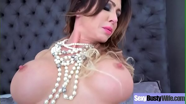 Big Tits Housewife (Jessica Jaymes) On Cam In Hard Style Sex Action video-14
