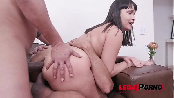 Lina Nakamura double penetration with 2 huge cocks YE036