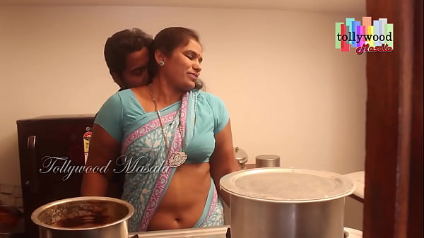 Hot desi masala aunty seduced by a teen boy Thumb