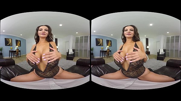 NAUGHTY AMERICA VR experience Ava like never before