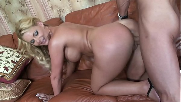 Big Tits MILF got the cum from big dick gardener when the husband is away