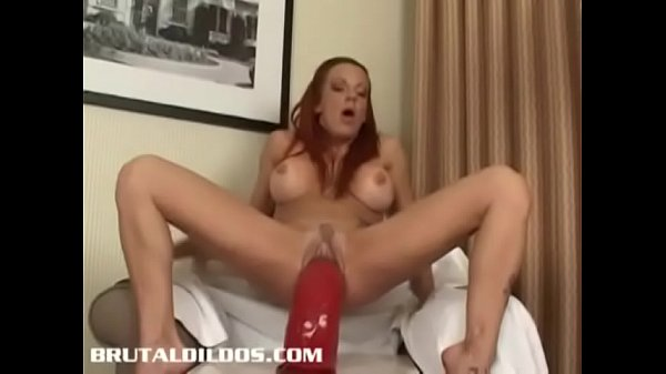 Busty Shannon Kelly gapes her pussy and ass with big dildos Thumb