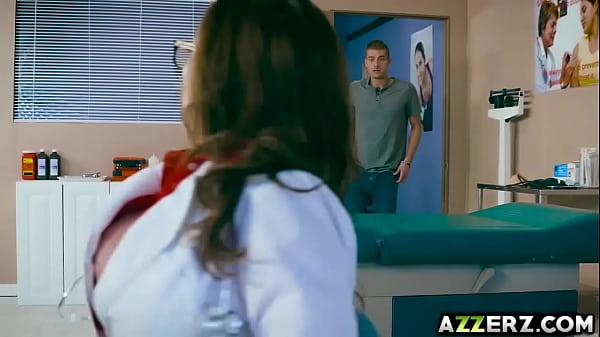 MILF Dr Ariella Ferrera bangs with a hot patient Thumb