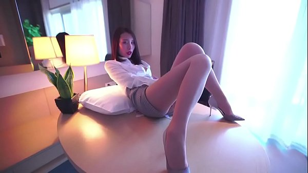 "sexy secretary""Mimi"" seduced me"