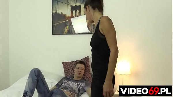 Polish porn - Step mom fucks step son while husband is at work Thumb