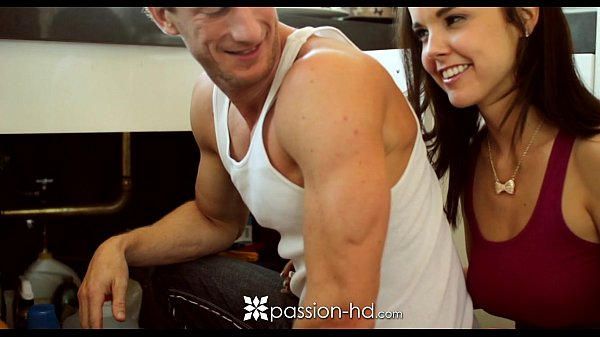 HD Passion-HD - Plumber is laying some pipe to cute little client Dillion Harper Thumb