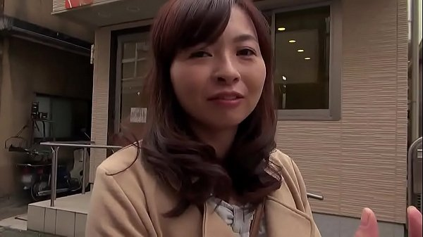 Rd-932-Housewife's seduced by men on the street #1 Thumb