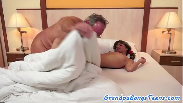 Smalltit eurobabe screwed by grandpa Thumb
