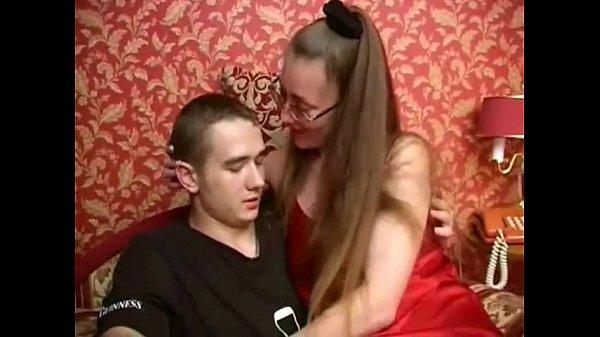 Русская мама и сын в колготках