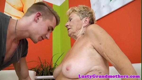 Chubby euro granny gets hairy pussy banged Thumb