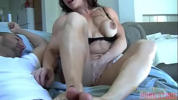 Female Muscle Porn Star Brandimae Needs Servicing Thumb