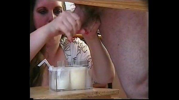 pornuha-doyat-spermu-porno