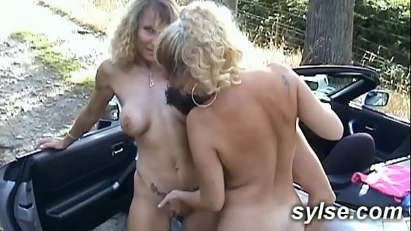 2 MILFs hitchhikkers with young boy before fucking in train