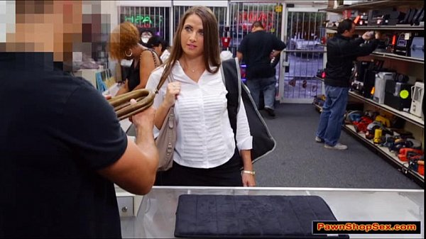 waitress-giving-handjob