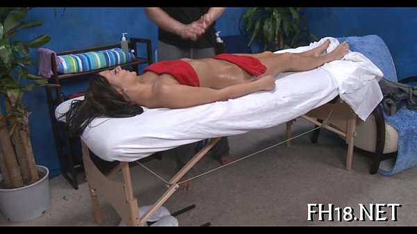 Hot 18 year old gets drilled  thumbnail